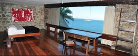 Cliffside Guest House & Experience