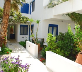 Anna Plakias Apartments