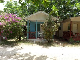 Beach Road Cottages at Jah Bs