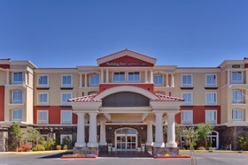 Holiday Inn Express & Suites Las Vegas SW Spring Valley